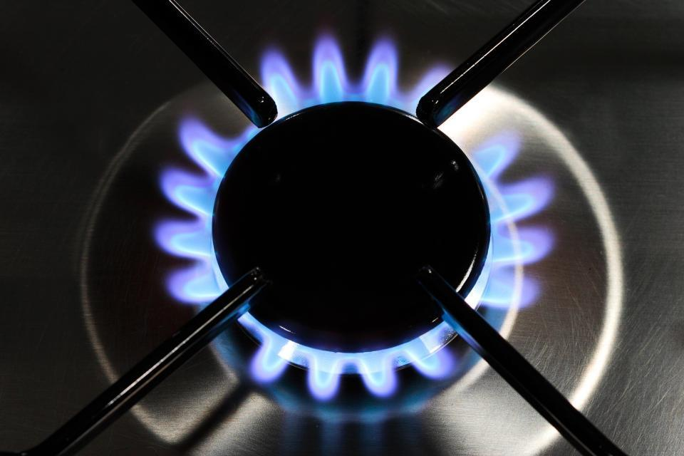 Here's our 5 key tips on how to save money on your energy bills during the holiday season