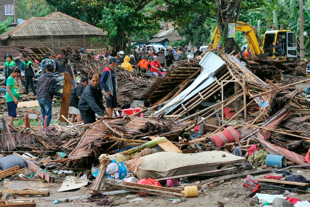 Tsunami kills at least 222 in Indonesia, sweeps band off stage after volcano eruption