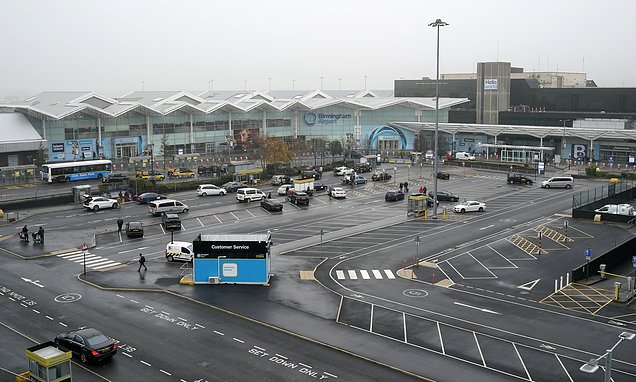 Furious residents blast Birmingham Airport passengers who abandon cars