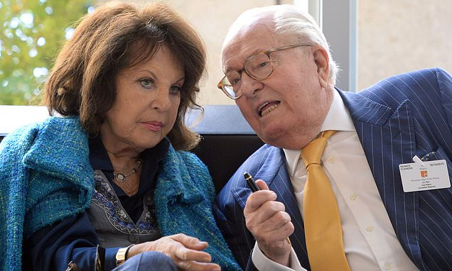 Jean-Marie Le Pen's wife violently assaulted in Paris street robbery