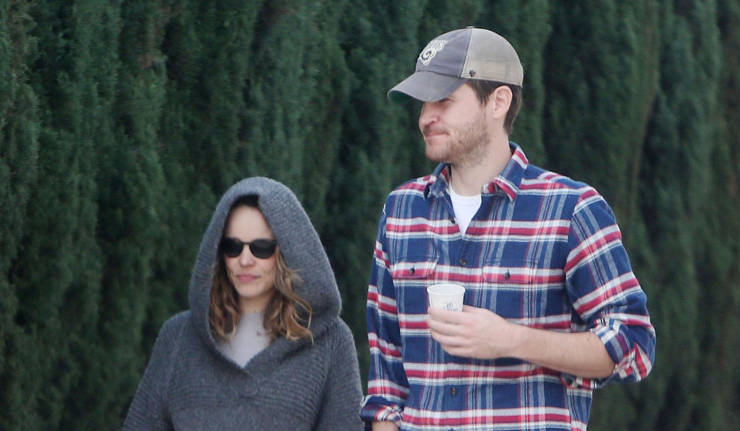 Rachel McAdams & Jamie Linden Step Out for an Errands Run