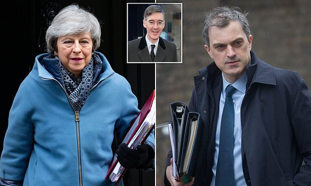 May faces ANOTHER Brexit showdown with hardline Tory