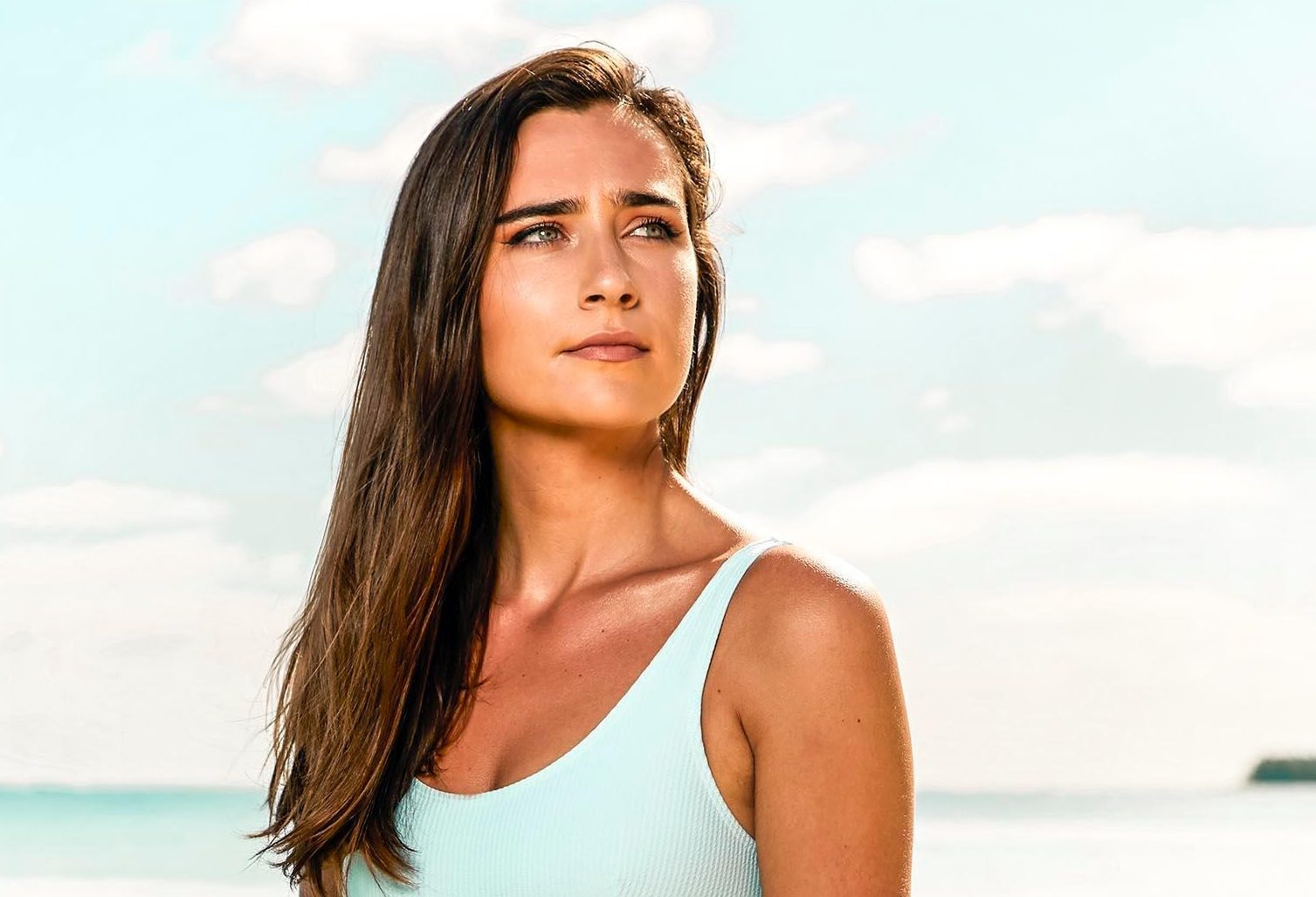 Who is Shipwrecked star Emma, does she have a boyfriend and how old is she?