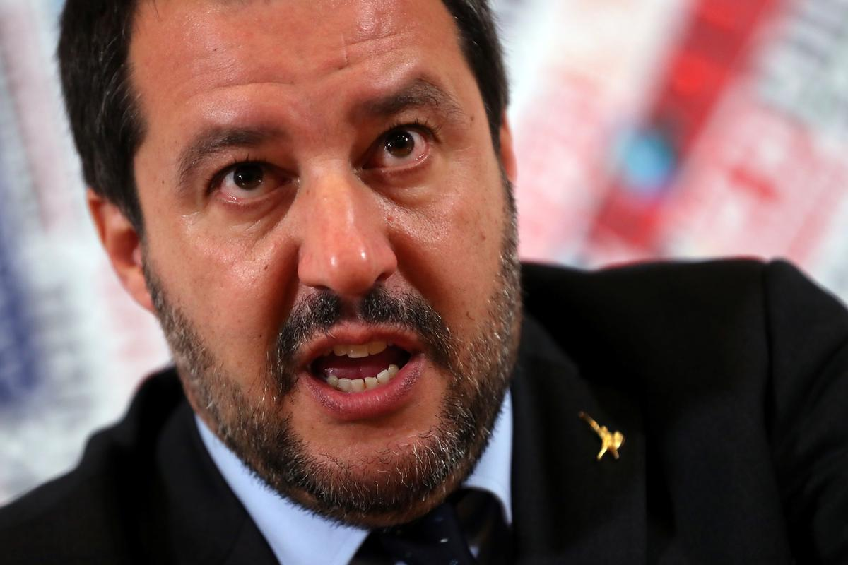 Italy presses France to extradite former leftist militant