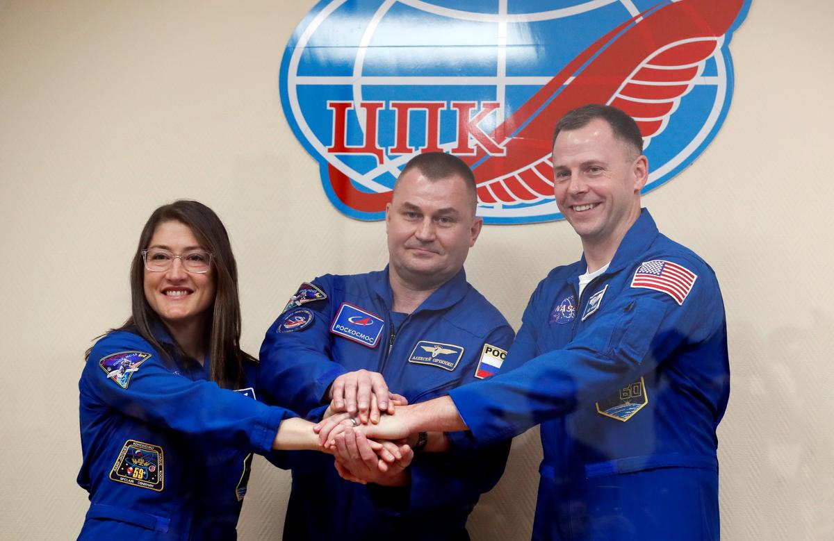 Space station crew confident on eve of first launch since rocket failure