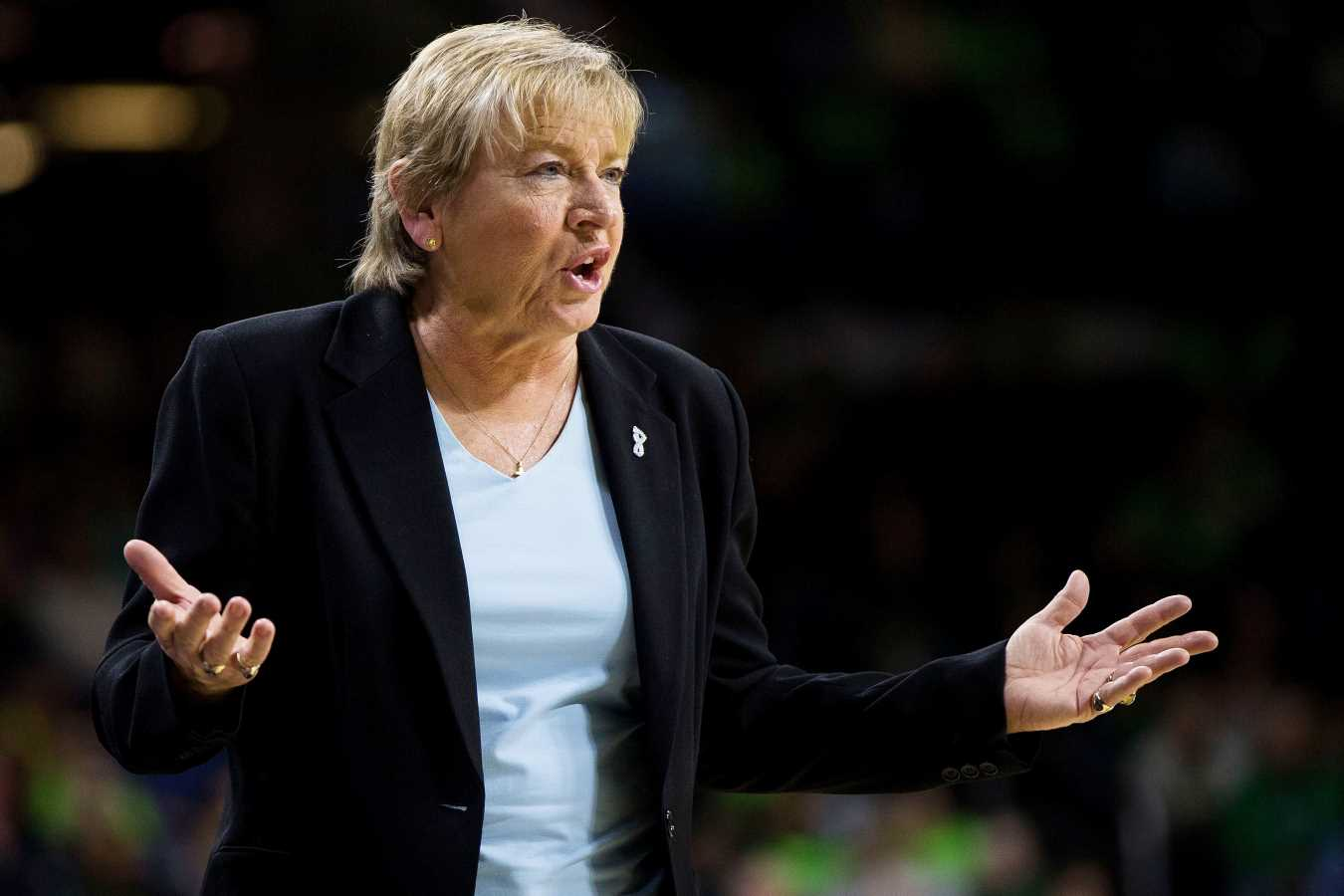 North Carolina Basketball Coach Sylvia Hatchell Resigns After 33 Years Following Investigation