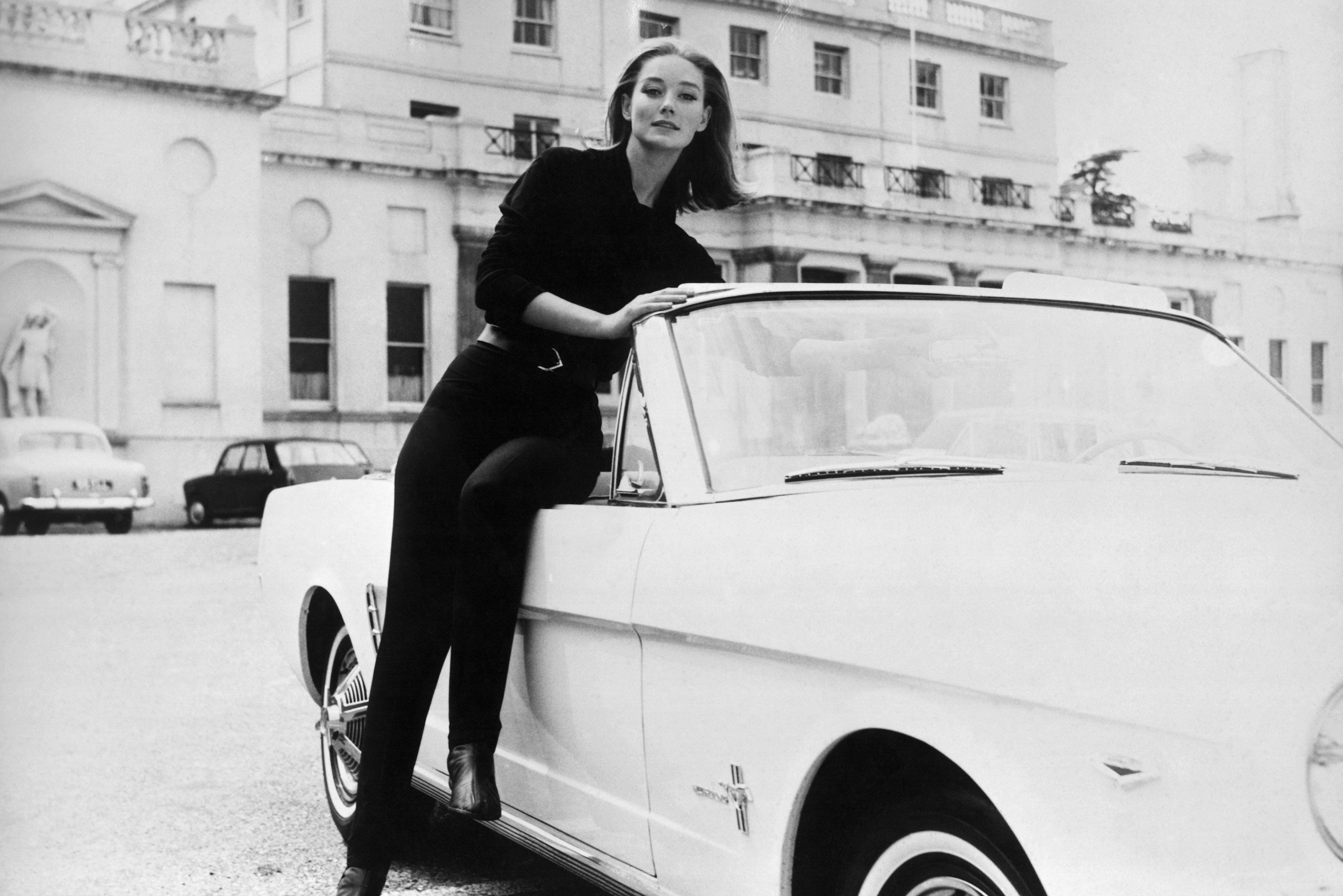 Former Bond girl Tania Mallet dead at 77