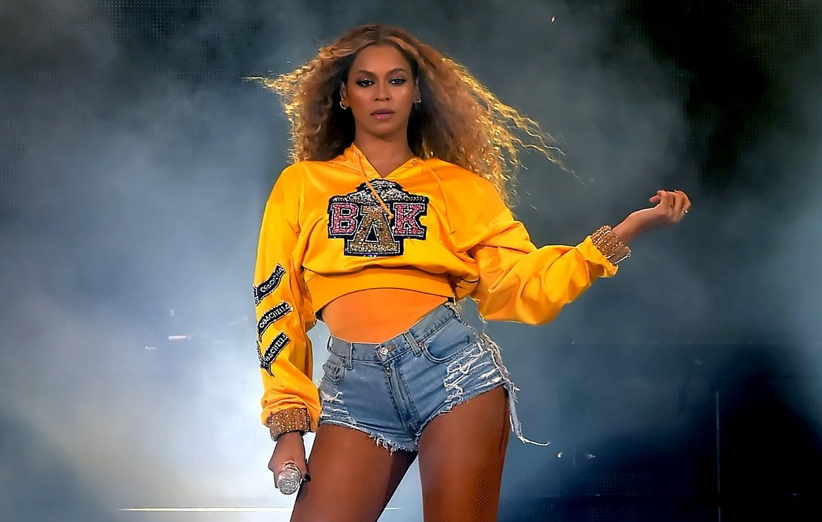 Beyonce's New Dark Brown Hair Is The Biggest Hair Transformation She's Had In A While