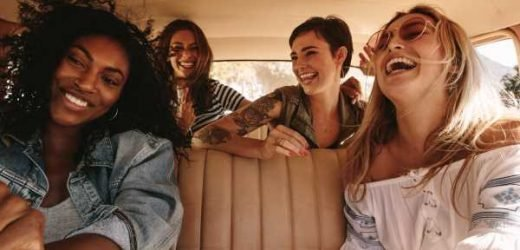 9 Things That Happen On A Road Trip That'll Make You & Your BFFs Laugh Down The Road