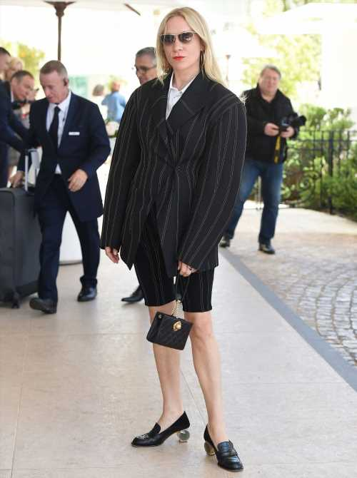 """""""Chloe Sevigny's shorts-suit is quite the fug experience"""" links"""