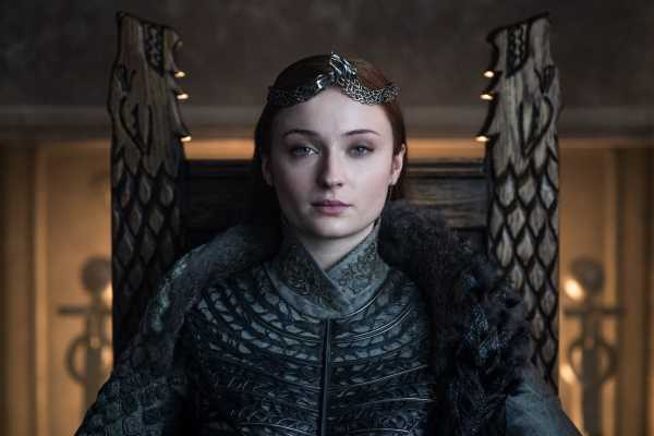 Sophie Turner Wants You To Know How Cool The Stark Kids Are With Her 'GoT' Finale BTS Pic