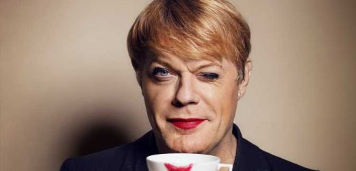 Eddie Izzard finds the funny in any language
