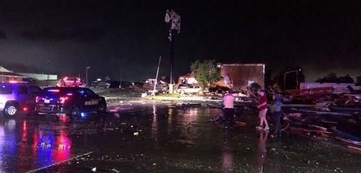 Tornado strikes El Reno, Oklahoma; fatalities confirmed: reports