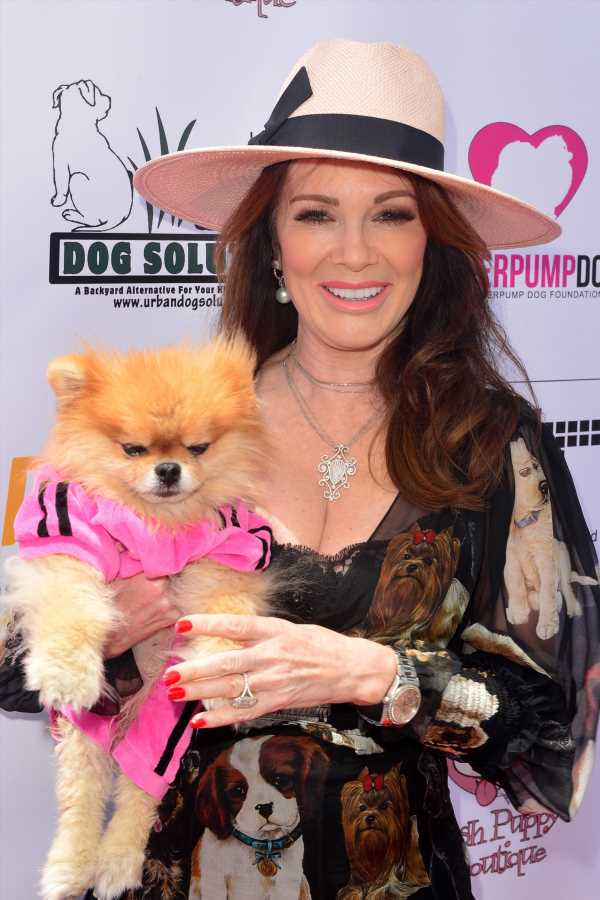 "Lisa Vanderpump Is All About ""Moving Forward"" After Her Exit From 'RHOBH'"