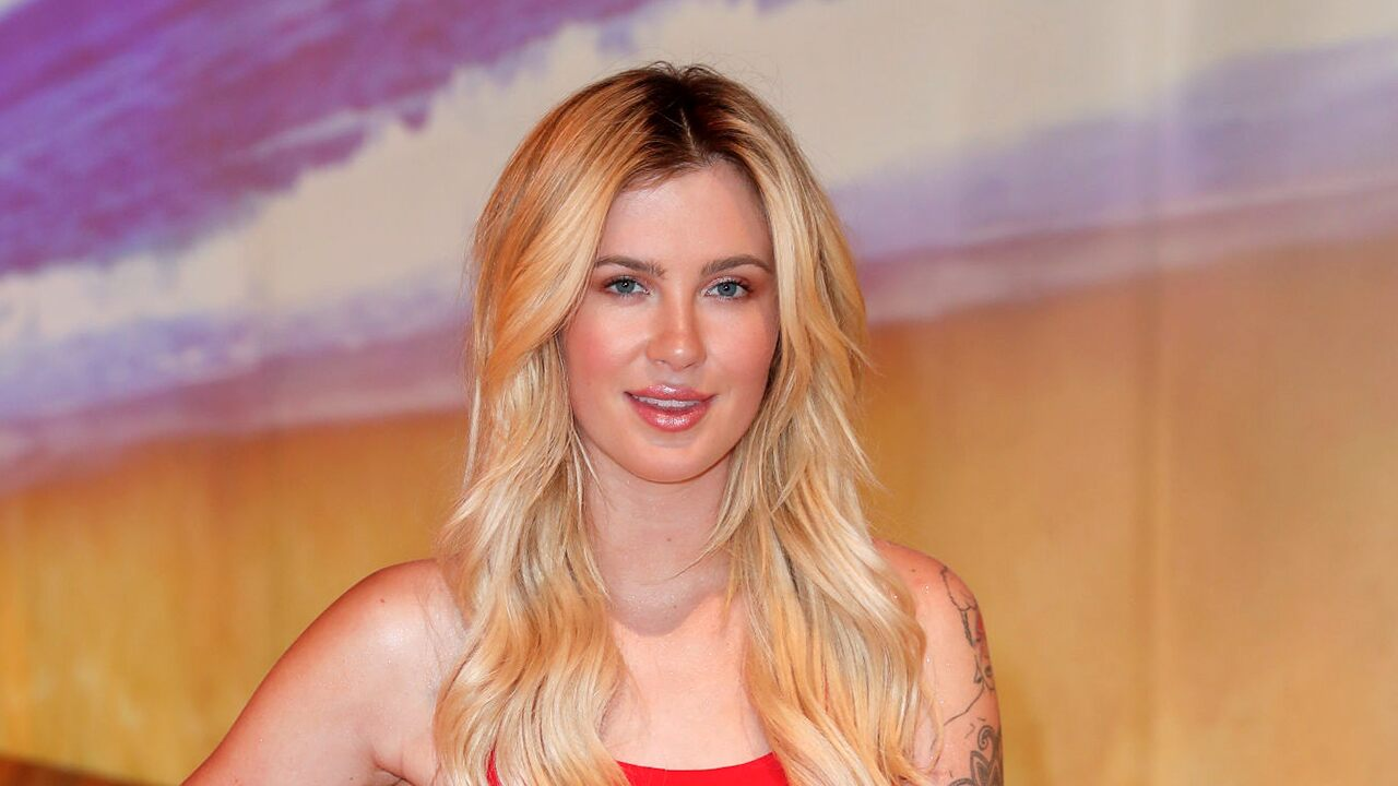 Alec Baldwin's daughter Ireland's NSFW photo sparks responses from dad, uncle: 'I'm sorry. What?'