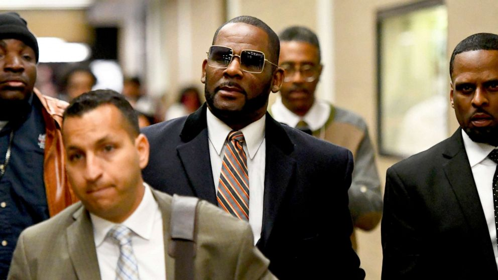 R. Kelly arrested on federal child pornography charges: US attorney