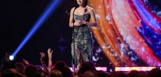 Lucy Hale Is Hosting This Year's Teen Choice Awards Alongside A Famous YouTuber