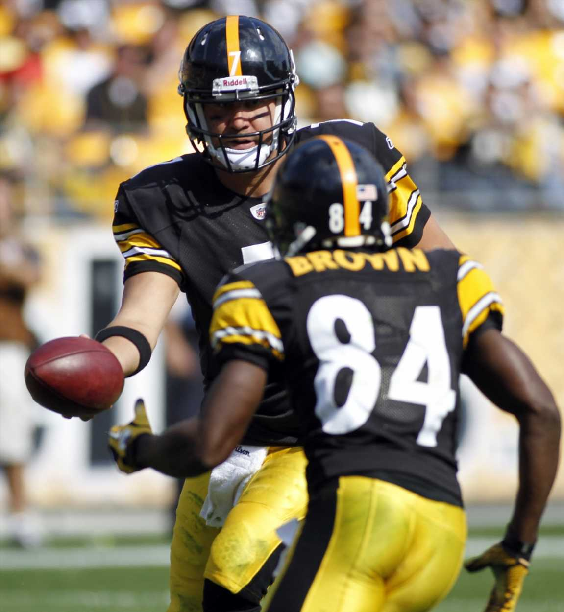 AWOL in Week 17, Steelers beefs, frostbitten feet and helmet drama: An Antonio Brown timeline