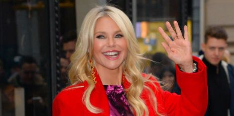 "Christie Brinkley Pulls Out of 'Dancing With the Stars' Because Her Arm Broke ""Into a 1,000 Pieces"""
