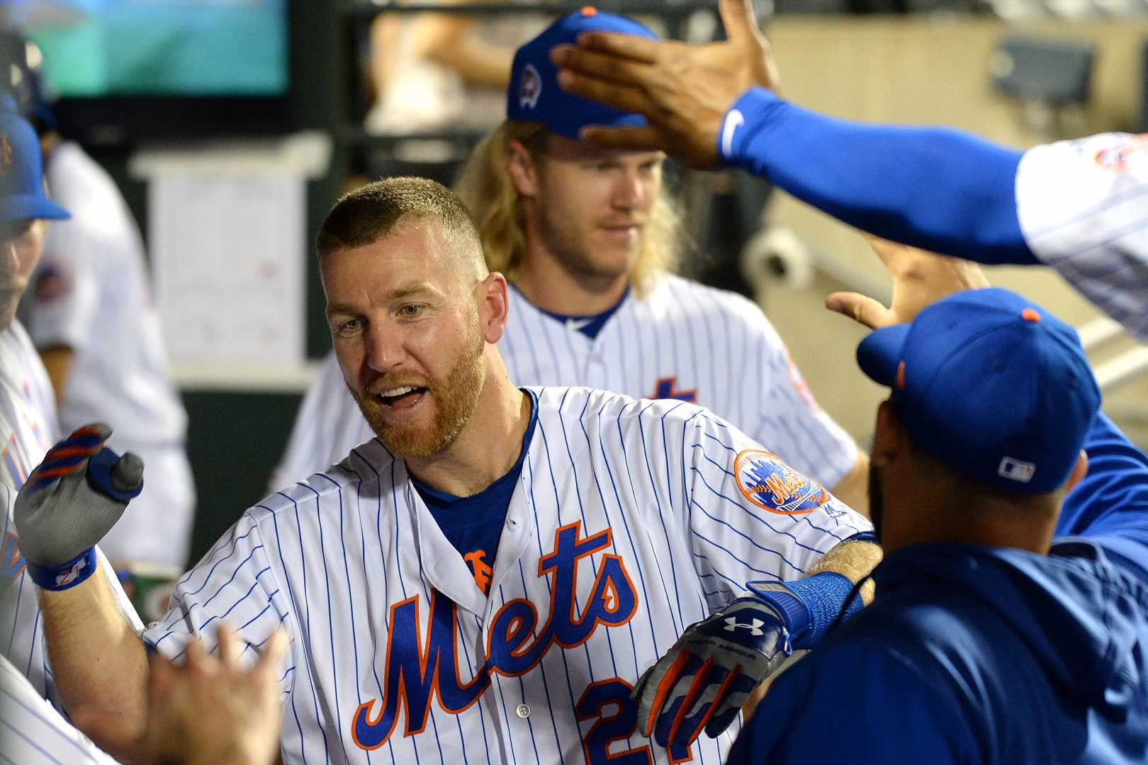 Todd Frazier power show keeps Mets in thick of playoff race