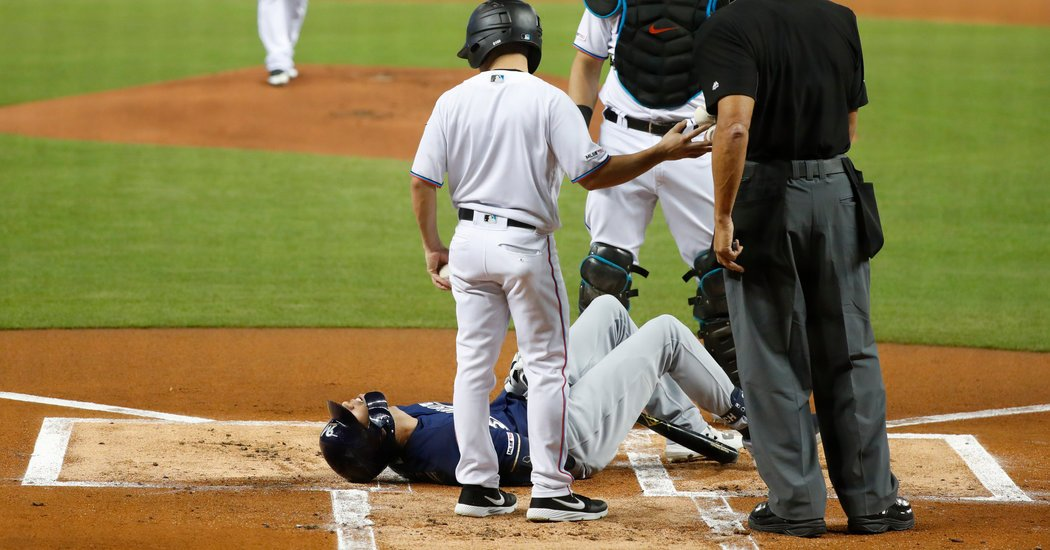 Brewers Lose Christian Yelich for the Season With Knee Injury